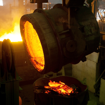 Molten liquid iron is poured. Iron casting.